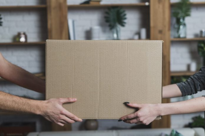 Jak wysłać paczkę do Anglii?